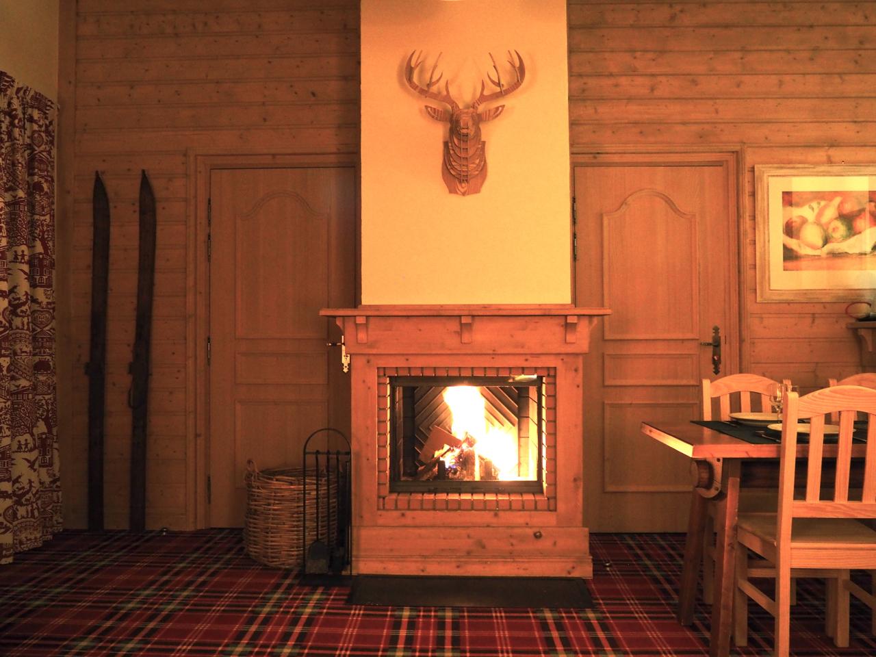 3 salon cheminee 2 arc 1950 direct. Black Bedroom Furniture Sets. Home Design Ideas