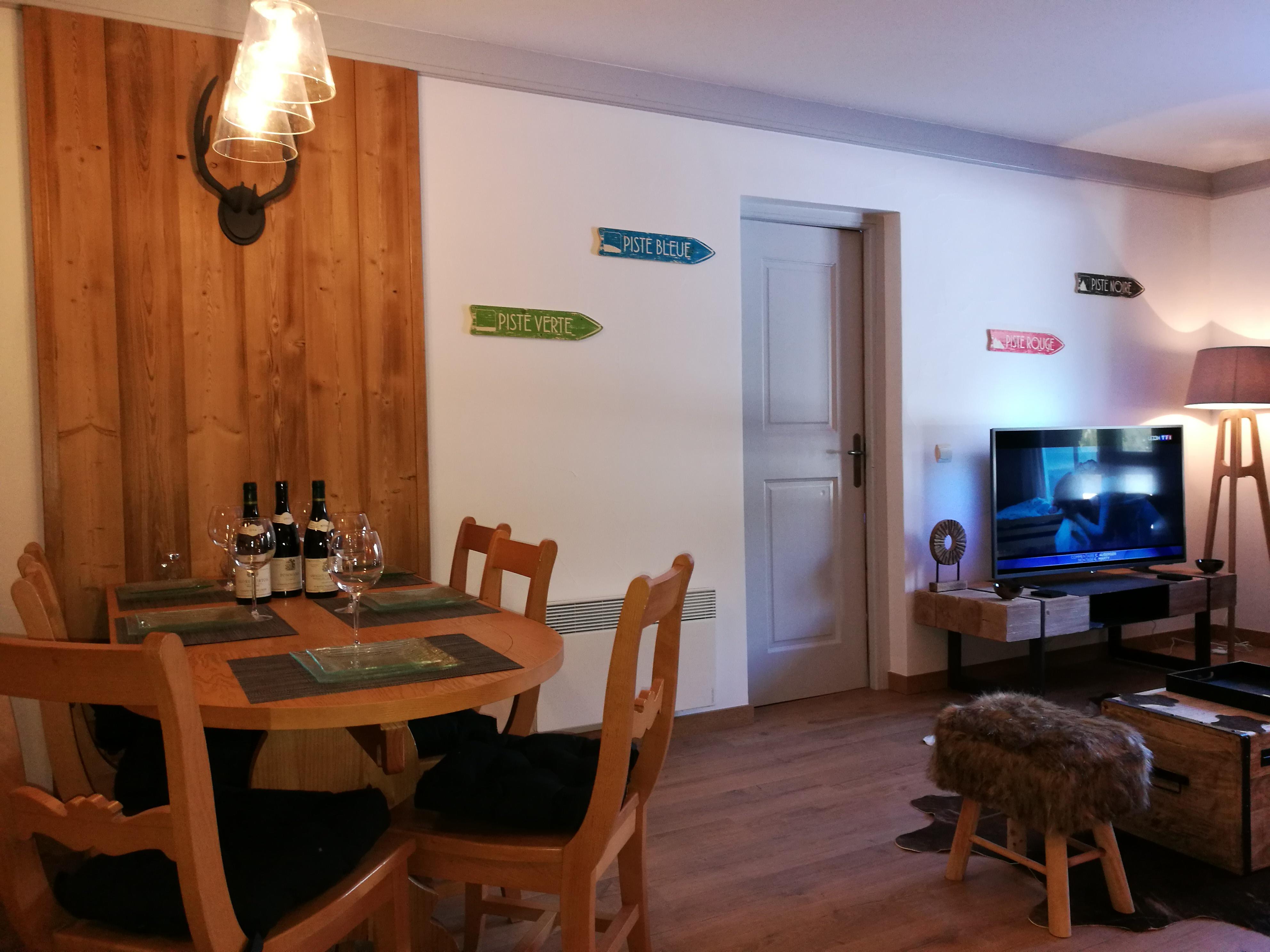 Elegant Mur Cuisine Et TV
